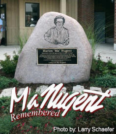 Ted Nugent, Ted Nugents parents, Ted Nugents mother, Ted Nugents mom, Ma Nugent, Marion Dorothy Nugent, Marion 'Ma' Nugent, Ted Nugent, Eric Kinkel, Paul Natkin Photographer of image monument, Photo by Larry Schaefer